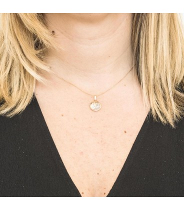 Virgin Girl Pendant in Gold 18K and Mother-of-Pearl