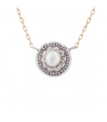 Natural Pearl necklace with carved fence