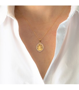 Virgin pendant with zirconia