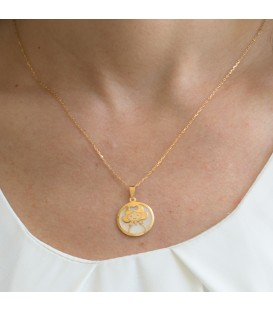 18K virgin gold pendant and mother-of-pearl