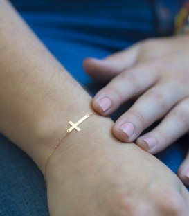 Bracelet croix en or 18k 9mm x 18mm Or