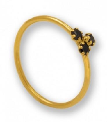 Sortija con circonitas negras de oro