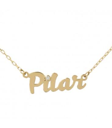 collar con nombre de oro