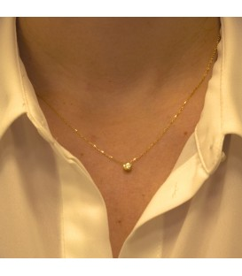 Golden prong necklace