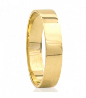 Smooth yellow gold wedding ring