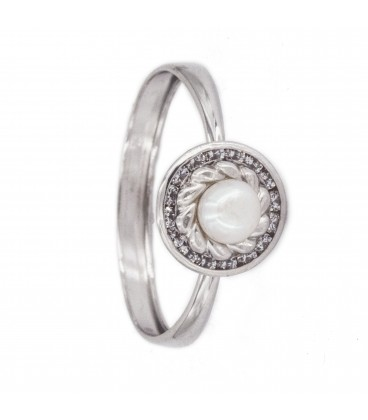 18k White Gold Ring with Carved Orla Pearl