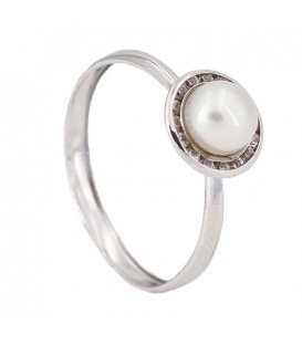 Pearl Natural 18K White Gold Ring with Zirconite Lane
