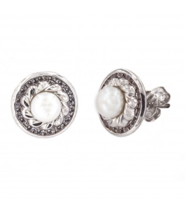18K Natural Pearl White Gold Earrings with Carved Orla