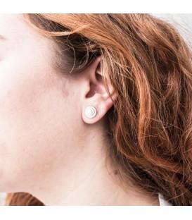 Boucles d'oreilles Or Blanc 18K Natural Pearl avec bordure sculptée