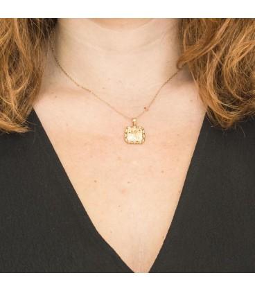 18K Gold Love Pendant with Zirconite