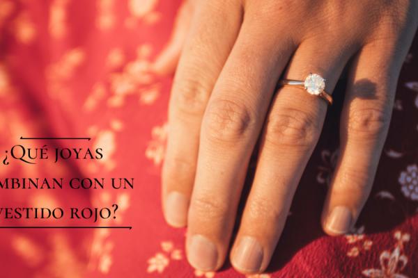 ¿Qué joyas usar con un vestido rojo?