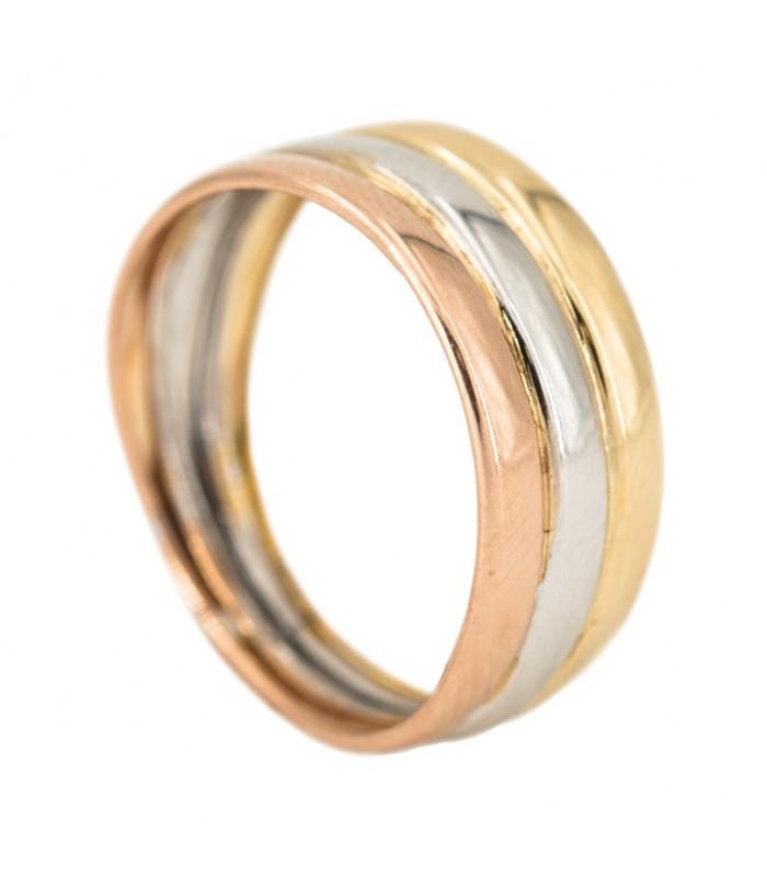 Sortija tricolor combinando tres colores, oro blanco, oro rojo y oro amarillo todos en 18 kilates, con cuerpos de media caña de hueca reforzada. El mejor regalo para esa persona especial. Viene listo con el packaging más elegante.