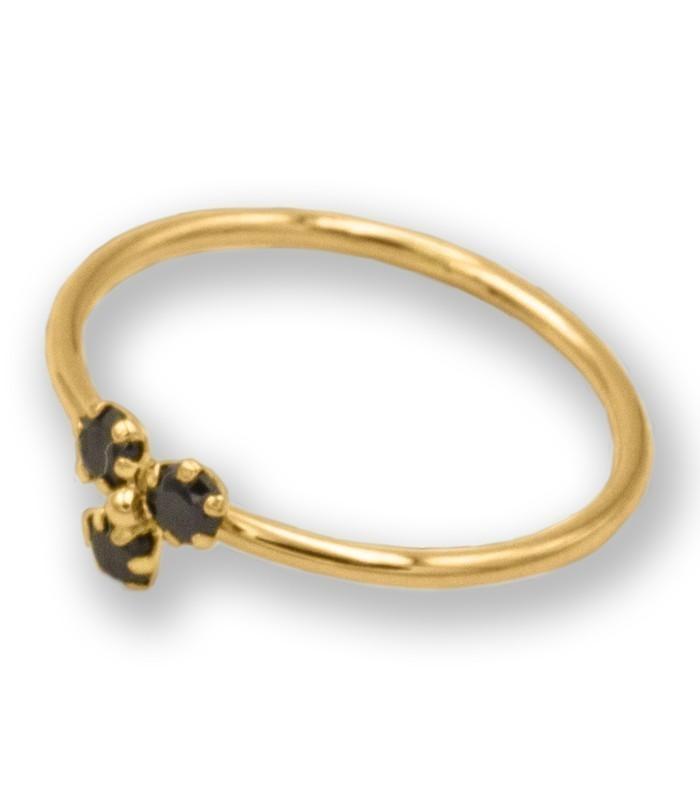 anillo de oro con circonitas negras