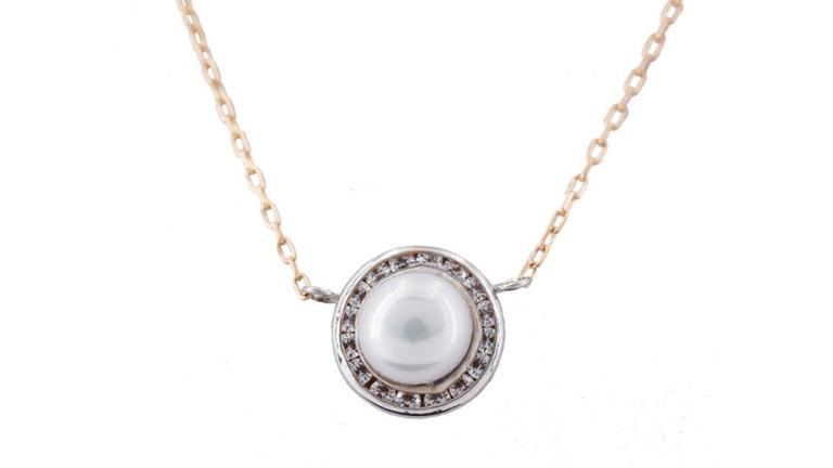 ¡Vuelven las perlas! 3 joyas de perla perfectas para actualizar este clásico de joyería